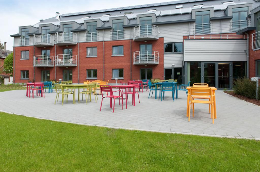 Terrasse et jardin la r sidence services de hotton for Jardins et services